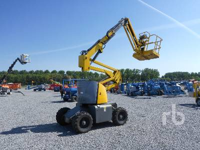 2009 HAULOTTE HA120PX 4x4 Articulated Boom Lift