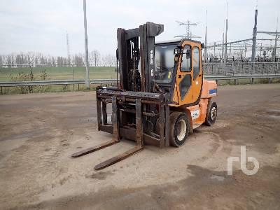 2002 CLARK SF70D Forklift