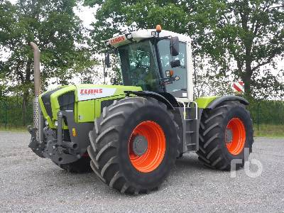 2005 CLAAS XERION 3300VC 4WD Tractor