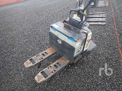 2007 CROWN PE450060 2720 Lb Electric Pallet Jack
