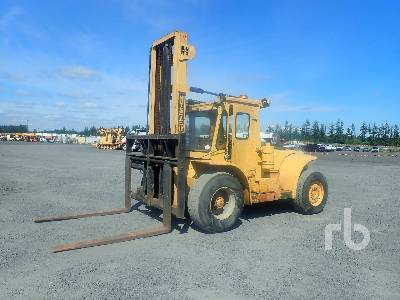HYSTER P165A 17500 Lb Forklift