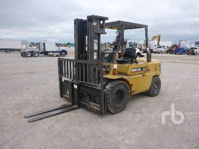 CATERPILLAR GPL40 9000 Lb Forklift