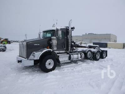 2018 KENWORTH T800 Wide Nose Tri/A Winch Tractor