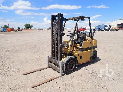 CLARK 4000 Lb Forklift