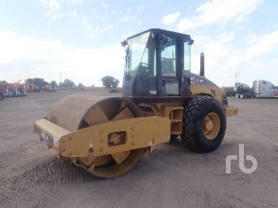 2004 CATERPILLAR CS563E Vibratory Roller