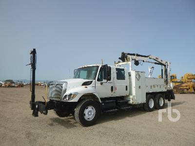 2010 INTERNATIONAL 7400 Crew Cab T/A w/IMT 5200 Boom Truck