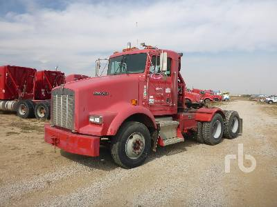 2000 KENWORTH T800 T/A Winch Tractor