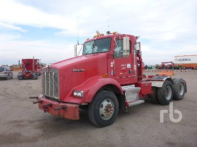2007 KENWORTH T800B T/A Winch Tractor