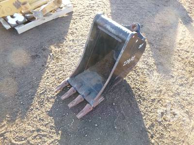 CATERPILLAR 2471949 18 In. Rock Loader Backhoe Bucket