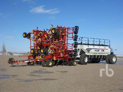 2010 BOURGAULT 5710 Series II 74 Ft Air Drill