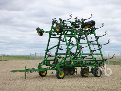 1992 JOHN DEERE 610 40 Ft Cultivator