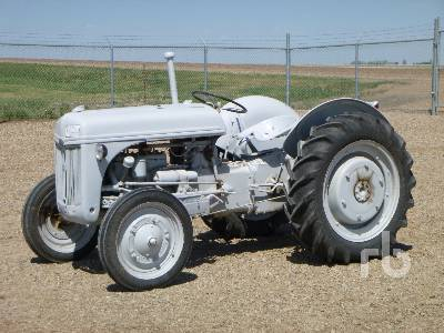 1941 FORD 9N 2WD Antique Tractor