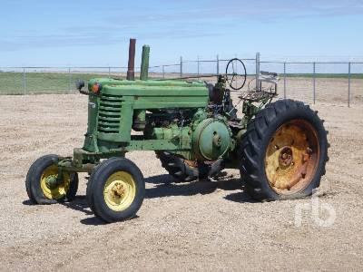 1947 JOHN DEERE A 2WD Antique Tractor
