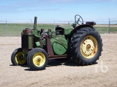 1950 JOHN DEERE R 2WD Antique Tractor