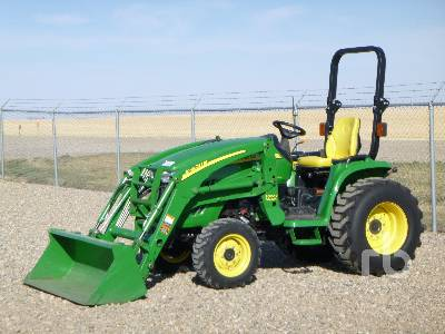 2012 JOHN DEERE 3520 MFWD Utility Tractor