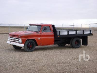 CHEVROLET 30 S/A Flatbed Truck