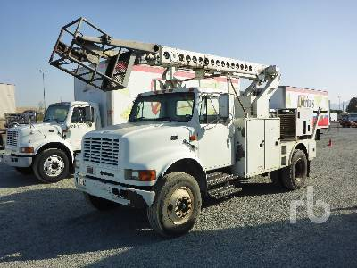 2000 INTERNATIONAL 4700 w/Telsta T40C Bucket Truck