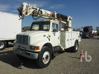 2001 INTERNATIONAL 4700 w/Altec D845-TR Digger Derrick Truck