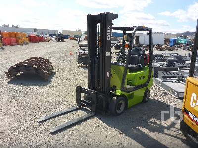 2004 CLARK CMC15 3000 Lb Forklift