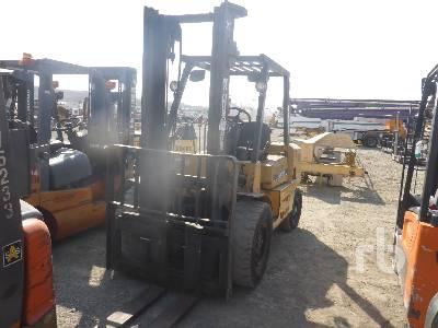 2005 CATERPILLAR DP40KL-D 9000 Lb Forklift