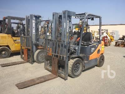 2013 DOOSAN D30S-5 5500 Lb Forklift