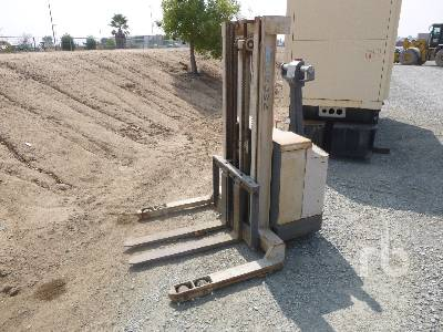 CROWN 20WTL-S 2000 Lb Walk Behind Electric Forklift
