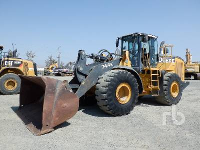 2013 JOHN DEERE 744K Wheel Loader