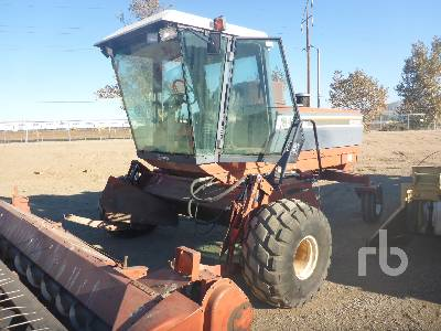 1989 HESSTON 8400 Swather