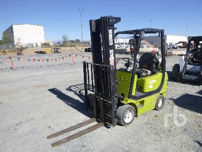 CLARK CMC18 2700 Lb Forklift