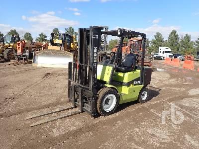 CLARK CDP30 6000 Lb Forklift