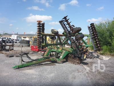 JOHN DEERE 650 32 Ft Tandem Offset Disc Harrow