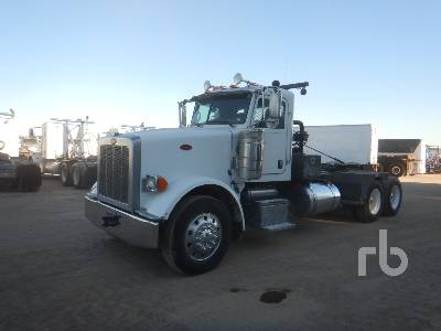 2011 PETERBILT 367 T/A Winch Tractor