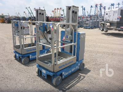 2012 GENIE GR20 Electric Personnel Lift Material Lift
