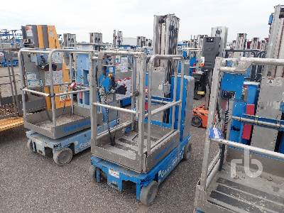 2012 GENIE GR20 Electric Personnel Material Lift