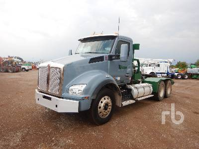 2019 KENWORTH T880 T/A Winch Tractor