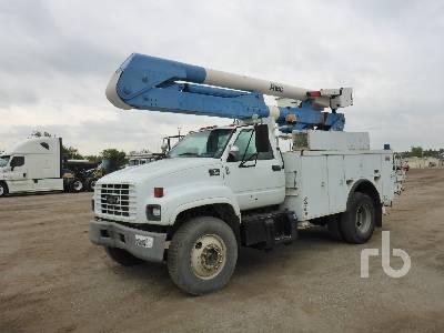 2000 CHEVROLET C7500 S/A w/Altec AO442 Bucket Truck