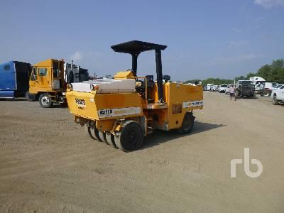 2011 ROSCO TRU-PAC 915 9 Wheel Pneumatic Roller