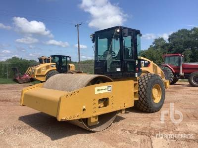 2012 CATERPILLAR CS76 Vibratory Roller