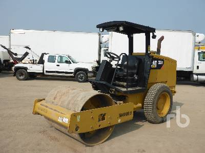 2015 CATERPILLAR CS34 Vibratory Roller