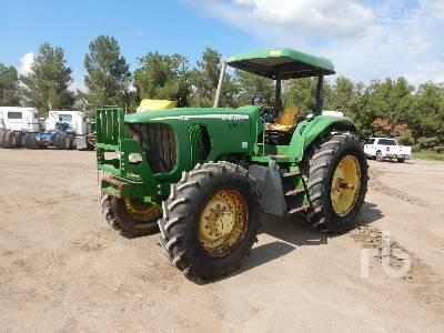 JOHN DEERE 7520 odo shows 2930 hrs, 8 spd MFWD Tractor