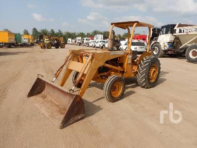 JOHN DEERE 300BD Utility Tractor