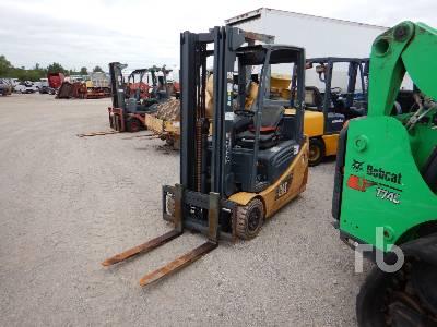 CATERPILLAR 2ET3000 3000 Lb Electric Forklift