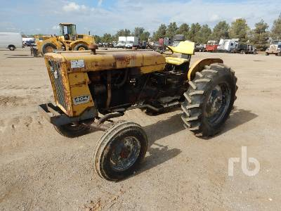 CASE IH 404 Utility Tractor