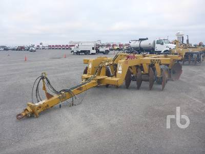 2015 LANDOLL 6510 11 Ft Tandem Offset Disc