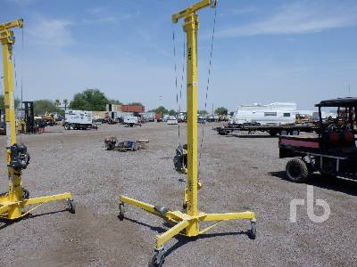 SUMNER R-250 Material Lift