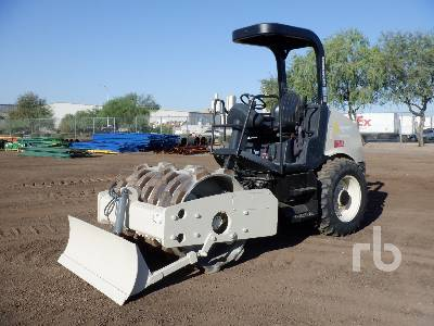 2006 INGERSOLL-RAND SD45FTF Padfoot Vibratory Padfoot Compactor