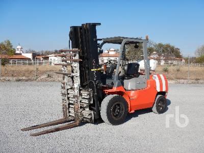 2011 TOYOTA 7FGAU50 9000 Lb Forklift
