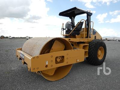 2013 CATERPILLAR CS533E Vibratory Roller