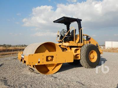 2011 CATERPILLAR CS533E Vibratory Roller