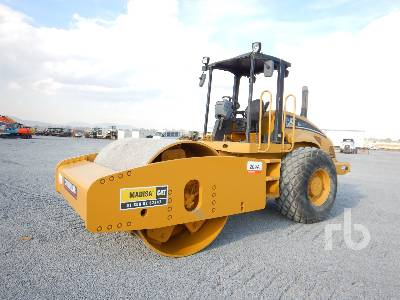 2004 CATERPILLAR CS663E Vibratory Roller